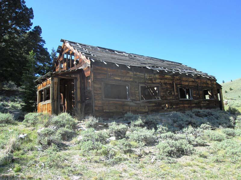 15.-Viola-Mine-1920_s-cabin.