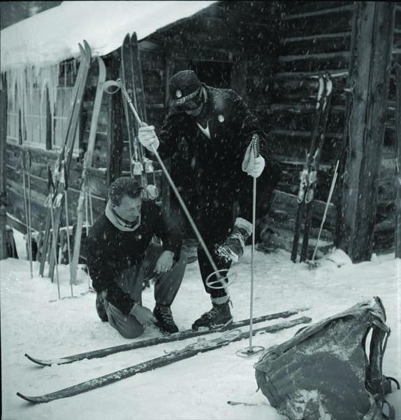11-Otto-Lang-helping-Shah-of-Iran-with-skis-Boulder-Basin-1946.-06291.2