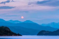 Moon-Palisades-Lake