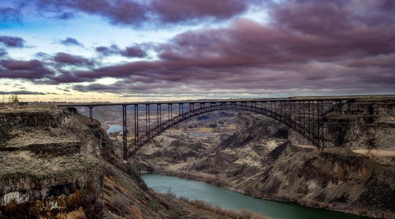 Prine bridge Twin Falls Idaho soans over the Snake River at sunr