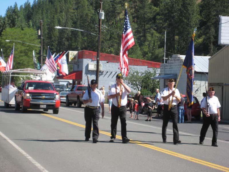july-13-2013-jojo-and-stites-picnic-006-parade-veterans